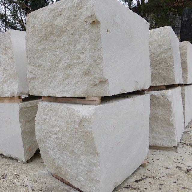 French limestone Avy Blanc blocks